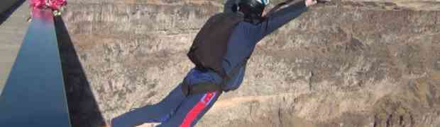 BASE Jumping the Perrine Bridge